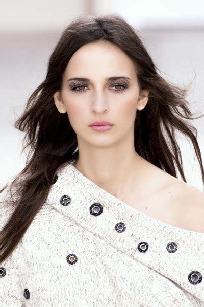 Bros Chanel Mata Rumbai Warna tutorial make up mata dari panggung runway uzone