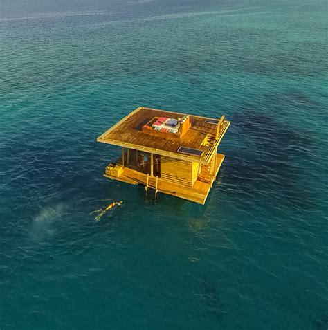 manta resort underwater room the manta resort 233 o primeiro hotel submarino