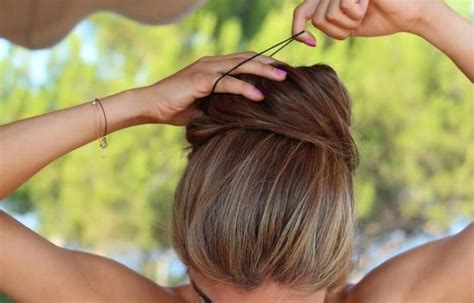 cute hairstyles you can do in 10 minutes 10 cute hairstyles you can do in under 10 minutes