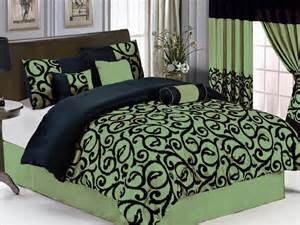 7 pc green black comforter set king size new bed in a bag