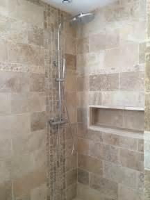 salle de bain travertin italienne niche