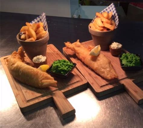 Cottage Fish And Chips by Superior Bedroom Foto Di The Thatched Cottage Inn