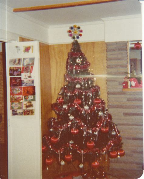 christmas tree in 1970s advent calendar of memories the tree footsteps of the past