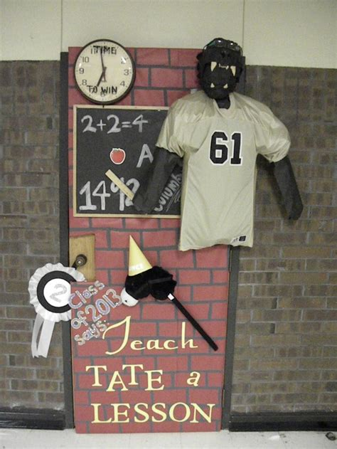 Homecoming Door Decorating Ideas by Pin By Thompson On 2015 Will Be Here All Soon