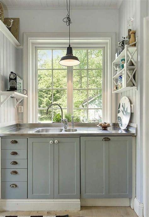 cuisine 駲uip馥 petit espace comment am 233 nager une cuisine id 233 es en photos