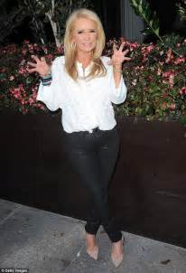 kim richards drugs 2015 kim richards visited smoke shops in la trying to get hold