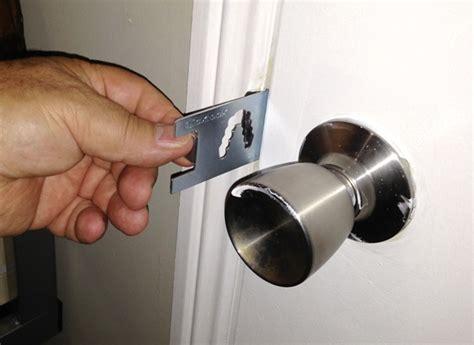 qicklock portable door lock travel lock safety lock