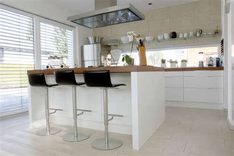 fliesen küche modern k 252 che moderne k 252 che bodenfliesen moderne k 252 che