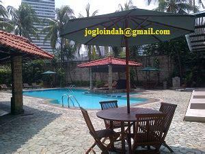 Meja Billiard Baru Jakarta set meja payung di kolam renang senopati apartment