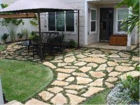 Flagstone Pavers Patio Best 25 Flagstone Pavers Ideas On Backyard Pavers Diy Decking On A Budget And