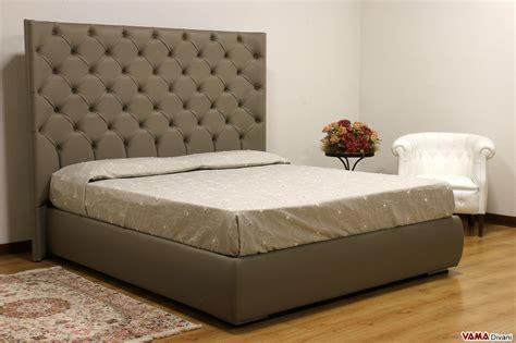 letto in pelle con contenitore letto con testiera di grandi dimensioni in pelle