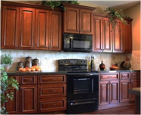 thomasville kitchen islands 146 best images about possible kitchens on cabinets glaze and cherry cabinets
