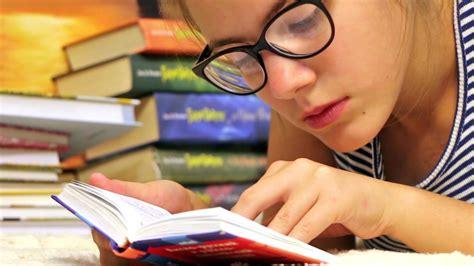 Whittington Read It Yourself Learning Book estudando