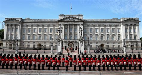 buckingham palace the royal property portfolio with 775 rooms buckingham