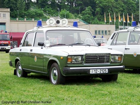 lada moto lada vaz 2107 funkstreifenwagen der volkspolizei der ddr