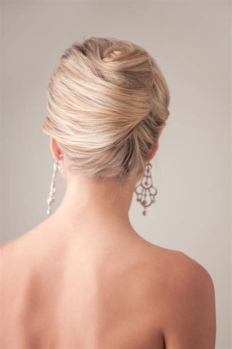 Roll Hairstyle by 25 Best Ideas About Roll Updo On
