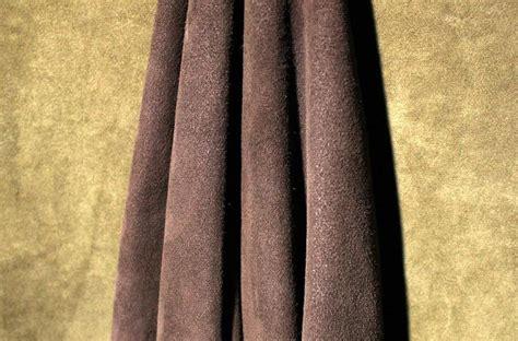 Bahan Kulit Kombinasi Bahan Pu Leather Dan Kain Code A14 artikel fashion bahan kain kulit leather dan suede the fashion fab perbedaan leather dan suede