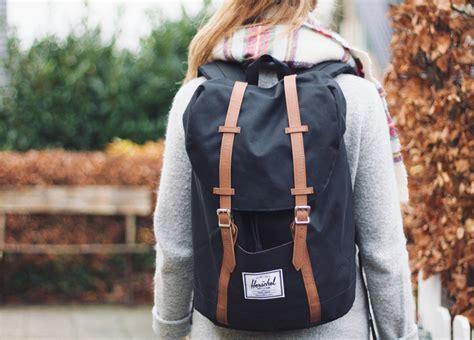 Harga Tas Pinggang Herschel model tas herschel herschel backpack simply emily