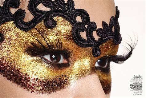 Masker Airbrush mask makeup paint schmink masker goud facepaint
