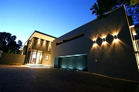 design of lighting for home photo 08 contemporary exterior and garage lighting design