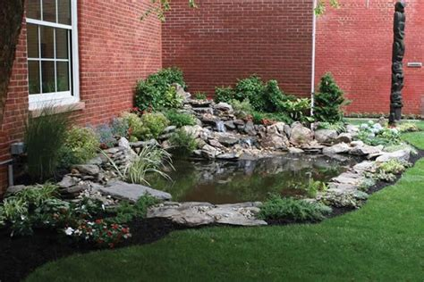 Garden Pond Kits by Best 25 Small Backyard Ponds Ideas On Small