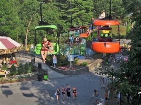 theme park upstate new york teen who fell at six flags blamed for falling out of ride