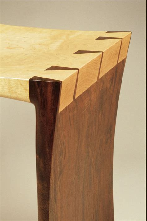 dovetail woodworking season 6 episode 602 contemporary dovetail bench digital