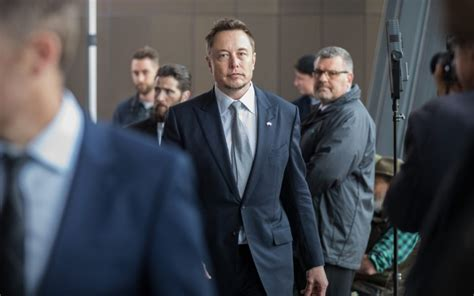 elon musk biography australian elon musk tesla to install quot world s largest battery quot in sa
