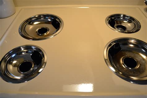 Kitchen Stove Drip Pans by Clean Your Stove Drip Pans The Polka Dotted Turtle