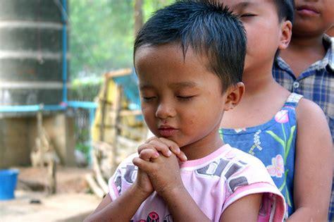 imagenes de iglesias orando vivir de cara a dios octubre 2012