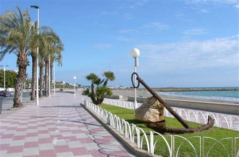 Square Island Kitchen holiday apartment for rent in santa pola playa levante