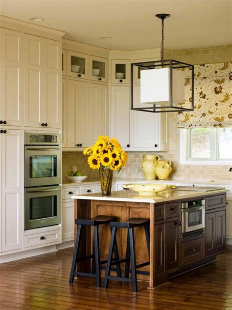 refacing kitchen cabinets ideas 25 best ideas about refacing kitchen cabinets on