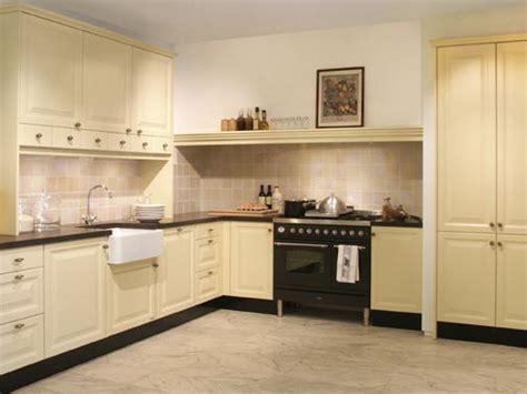nieuwe keuken kopen en plaatsen welkom op de website van rm bouwgroep aannemer in rockanje