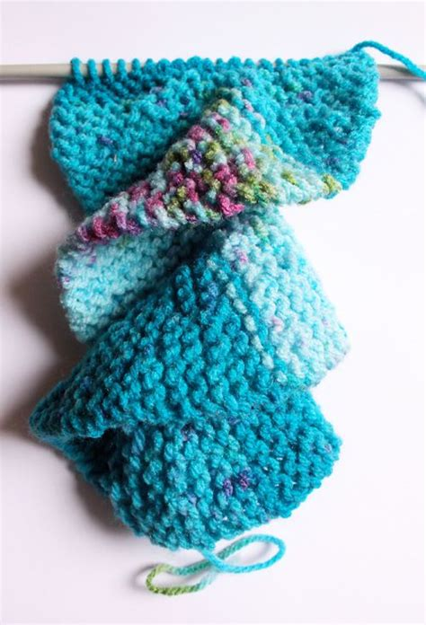 knitting patterns scarf tutorial knit spiral scarf pattern here s a good video tutorial on