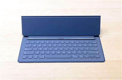 Pro Smart Keyboard on with the pro and mini 4