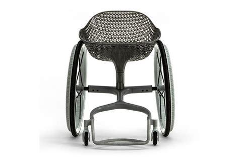la sedia a rotelle la sedia a rotelle hi tech di benjamin hubert decor