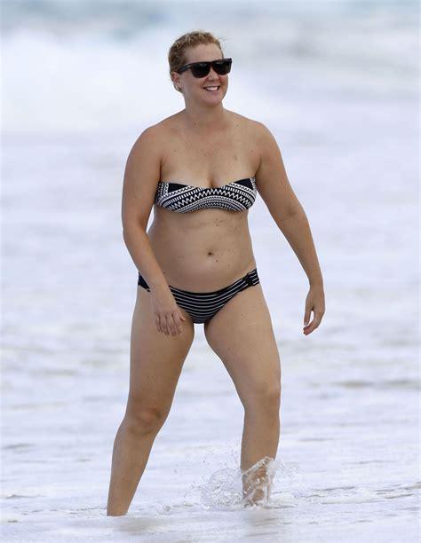 amy schumer sexy amy schumer in a bikini at a beach in hawaii 7 16 2016