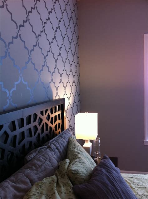 dark gray walls bedroom 1000 ideas about purple gray bedroom on pinterest