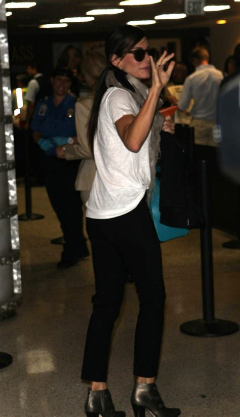 sandra bullock lax airport 05 sandra bullock arrives at los angeles international