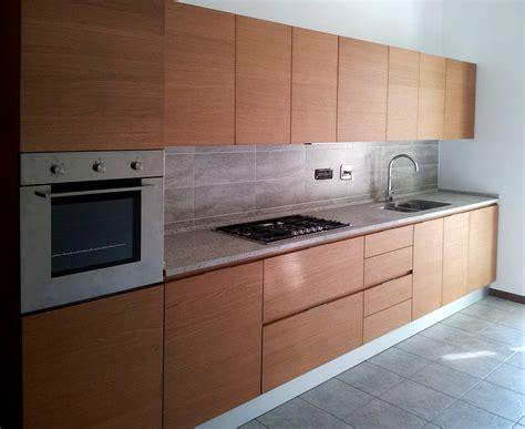 cucine su misura cucina anta legno cibi cucine bagni armadi e arredi