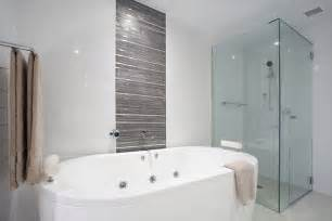 bathroom feature tiles ideas badkamer voorbeelden inloopdouche