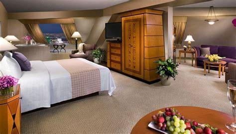 Luxor Rooms by Hotel Luxor Las Vegas In Las Vegas Starting At 163 14 Destinia