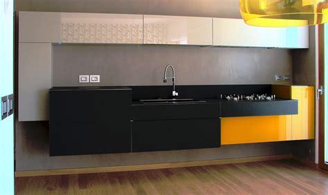 cuisine jaune et noir cuisine jaune noir aubry d 233 coration