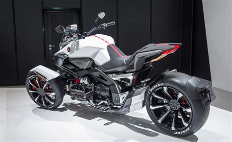 Motorrad Tuning Japan by Honda Neowing Leaning Three Wheeler Hybrid Concept