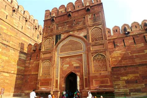 Taj Mahal Research Paper by Agra Fort Essay In