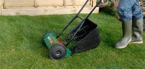 Landscape Rake Wickes How To Lay Turf And Maintain A Lawn Wickes Co Uk