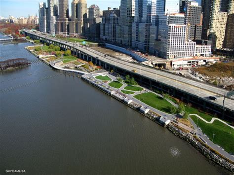 riverside park here s an aerial view of riverside park on the westside of nyc you can see bike paths