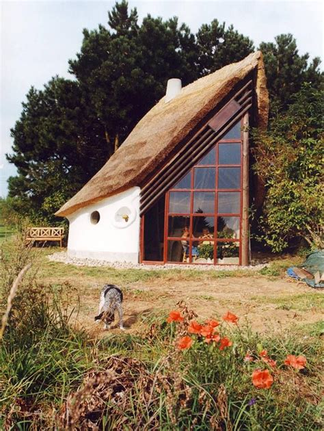 cobb house modern vernacular thatched cob house stenlile hus denmark the little cob house