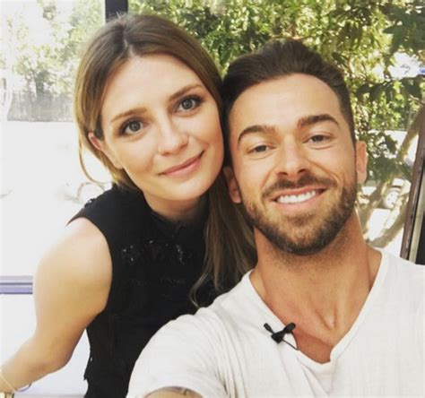 Mischa Rushed To Hospital by Mischa Barton Hospitalised For Mental Evaluation