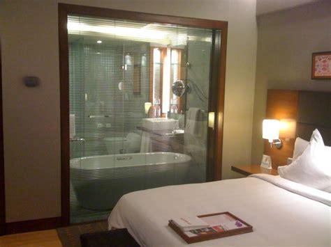 Boudoir Bathroom Ideas by Cuartos De Ba 241 O Acristalados En El Dormitorio 25 Ideas